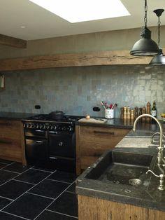 Stoere keuken van barnwood eiken