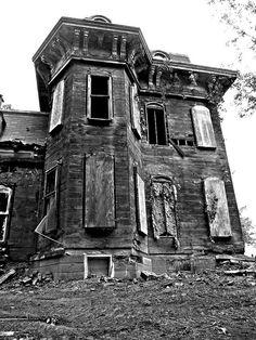 Abandoned in Mantua, Ohio.
