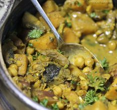 Creamy Coconut Chickpea Curry with Mushrooms #vegan #dairyfree