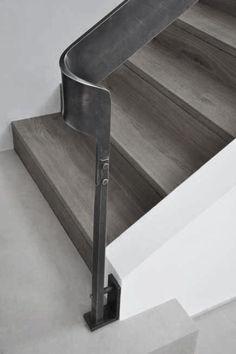 Energetic work in metal Show price Interior Stair Railing, Staircase Handrail, Modern Staircase, Staircase Design, Metal Stairs, Metal Railings, Glass Railing, Stair Elevator, Stair Lift