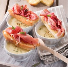 Potato and Onion Soup with Prosciutto - Prosciutto Di Parma Potato Onion, Onion Soup, Potato Soup, Prosciutto Crudo, Prosciutto Recipes, Celery Soup, Cheese Potatoes, Potato Side Dishes, Soups And Stews