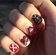 Give a stunning and attractive look to your nails with creative arts and designs.