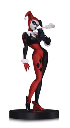 DC Comics - Designer  Series Harley by Bruce Timm Statue