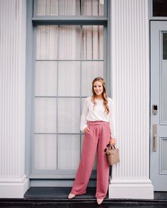 Wide leg pant, pink, white blouse with romantic sleeves