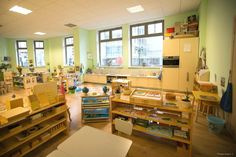 Montessori Classrooms - Around the World (Part Two) Classroom Layout, Classroom Organisation, Classroom Setting, Classroom Design, School Classroom, Classroom Decor, Organization Ideas, Montessori Preschool, Montessori Elementary