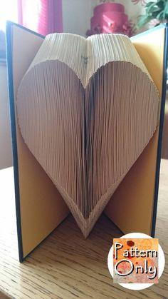 Grande cuore piegato reticolo di arte del libro di nosoxcarves