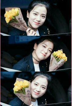 #BalımJISOO 😍😍😘😘😘🍯🍯🍇🍇💜💜 Kpop Girl Groups, Korean Girl Groups, Kpop Girls, Yg Entertainment, Rose Park, Black Pink Kpop, Blackpink Photos, Ji Soo, Blackpink Jisoo