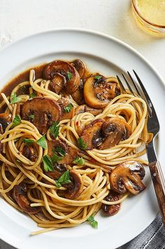 Balsamic Mushrooms, Wild Mushrooms, Stuffed Mushrooms, Healthy Eating Recipes, Clean Recipes, Healthy Eats, Veggie Dishes, Savoury Dishes, Whole Wheat Spaghetti