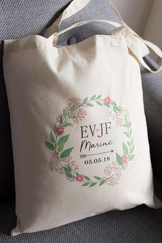 Tote bag EVJF à personnaliser Cotton Tote Bags, Reusable Tote Bags, Ecru Color, Woman Face, Wedding Accessories, Manon, Face Care, Ideas Para, Party