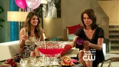 Jessica Stroup Photos Photos - Silver (Jessica Stroup) prepares for motherhood but worries about how her life will change; Naomi (AnnaLynne McCord) tries to win over Alec (Trai Byers), but her plan doesn't go as expected; Annie (Shenae Grimes) worries that Riley is too hard on Dixon; and Annie arranges for Liam (Matt Lanter) to see her attorney. - 90210 – Season 5, Episode 3