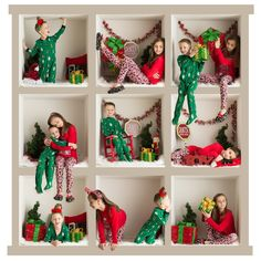 ideas for diy christmas photoshoot ideas kids Funny Christmas Photos, Xmas Photos, Christmas Portraits, Family Christmas Pictures, Family Christmas Cards, Christmas Minis, Xmas Cards, Christmas Humor, Family Photos