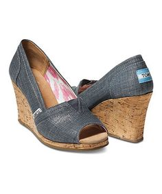 110f00ddfe2 The perfect sunny-weather shoe with all the perks TOMS has to offer. The