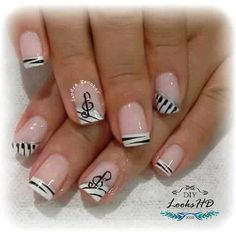 Hermoso 💅🏻😍 @diylookshd Music Note Nails, Music Nail Art, Music Nails, Fancy Nails Designs, Nail Art Designs, Nails Only, Love Nails, Piano Nails, Coral Nails
