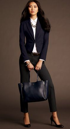 a chic bag and a bold necklace Ann Taylor Fall 2013 - interesting mix of navy and blue , nice Capri looks with heels Fashion Mode, Office Fashion, Work Fashion, Womens Fashion, Fashion Trends, Petite Fashion, Street Fashion, Tokyo Fashion, Curvy Fashion