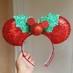 New Holly Mickey Mouse Ears by Le Petit Mouse by CreationsByMelissa on DeviantArt Minnie Mouse Ears Disneyland, Diy Disney Ears, Disney Mickey Ears, Disney Bows, Disney Diy, Disney Crafts, Disney Land, Mickey Mouse, Mickey Christmas