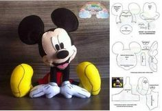 Mickey egér penész a Animal Sewing Patterns, Felt Patterns, Sewing Stuffed Animals, Stuffed Animal Patterns, Disney Diy, Disney Crafts, Mickey Mouse Doll, Disney Patches, Scrapbook Patterns
