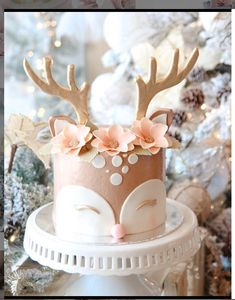 Girl Birthday Decorations, Cute Birthday Cakes, Birthday Cake Girls, Smash Cake Girl, Girl Cakes, Pretty Cakes, Cute Cakes, Christmas Desserts, Christmas Baking