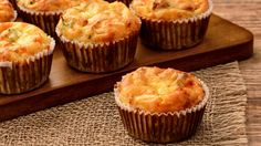 These cheesy marmite muffins make for easy to pack lunches Best Cake Recipes, Real Food Recipes, Cookie Recipes, Dessert Recipes, Desserts, Lemon Cookies Easy, Yummy Cookies, Muffins Au Boursin, Food Cakes