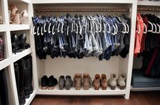Step-by-step tips for organizing your closet and keeping it that way, including how to style it for your personality and tips for perfectly hung jeans! Jean Organization, Best Closet Organization, Wardrobe Organisation, Clothing Organization, Clothes Storage, Closet Tour, Apartment Renovation, Closet Bedroom, Closets
