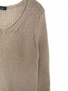 hand knitted v-neck-sweater handgestrickter Pullover mit V-Ausschnitt