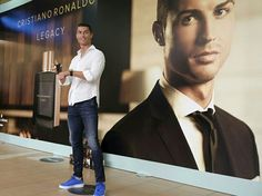 """CRISTIANO RONALDO PARFUME ""  Photos from Instagram: @Cristiano"
