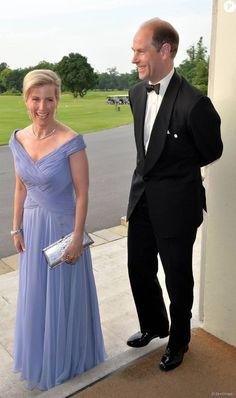 June 2016 ~ Prince Edward, Earl of Wessex and Sophie, Countess of Wessex attend a Gala Evening marking the anniversary of The Duke of Edinburgh's Award at Stoke Park in Buckinghamshire, England. Lady Louise Windsor, Royal Queen, Royal Prince, Duke And Duchess, Duchess Of Cambridge, Sophie Rhys Jones, Countess Wessex, Duke Of Edinburgh Award, Royal Families
