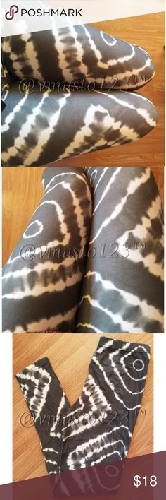MEGA SOFT BRUSHED FINE KNIT LEGGING MEGA SOFT premium quality brushed fine knit stretchy legging  Feels like absolute butter on your skin!   One Size Fits Most Women- Im over 6 months pregnant & they fit over my bump!  SO stretchy & fits most heights & sizes. 92% poly, 8% spandex. Cold water wash  Price is firm unless bundled  ✅SUPER FAST SHIPPING & GORGEOUS WRAPPING   ❗️PLEASE NOTE- Due to rising material costs, this closet no longer accepts previous customer discounts. Use bundle feature…