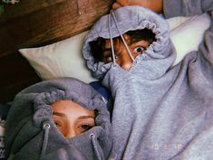 40 Couple goals Pics & bucket list for 2019 that'll make you believe in fairy tales Couple Goals is the buzzword in the world today. Single or in a relationship these Couple Goals Pics of 2019 will help you set major relationship goals. Cute Couples Photos, Cute Couples Goals, Cute Photos, Cute Couple Selfies, Funny Couple Pictures, Silly Couple Pictures, Funny Couple Photos, Funny Pics, Goofy Couples