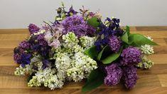 Blumengestecke mit Gartenblumen selber machen: Floristik Video Anleitung
