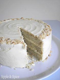 Apple & Spice: The Cake Slice 2010: Bolo de Limão com Sementes de Papoila com amêndoa geada Aínda quero fazer.