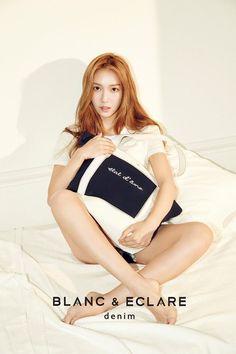 Jessica Jung BLANC & ECLARE - denim