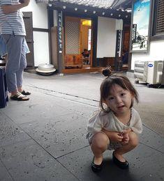 Cute Asian Babies, Korean Babies, Cute Babies, Cute Baby Girl, My Girl, Baby Boy, Kids Girls, Baby Kids, Ulzzang Kids