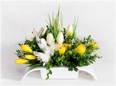 Easter Flower Arrangements, Easter Flowers, Diy Flowers, Floral Arrangements, Cemetery Flowers, Flower Cards, Altar, Fall Decor, Table Decorations