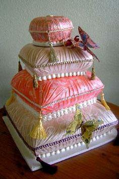 """Há tantos temas que o difícil é escolher! Este bolo é magnífico para o tema """"Mil e uma noites"""" #mileumanoites #cake"""