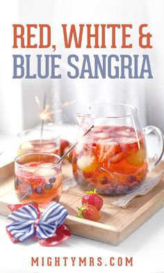 Red White and Blue Sangria – A patriotic recipe perfect for celebrating the of July or kicking off summer during Memorial Day weekend. This sangria is made with Moscato, honey dew melon, strawberries and blueberries. It's easy to make a big batch for s Craft Cocktails, 4th Of July Cocktails, Sangria Rouge, Moscato Sangria, Sangria Drink, Sangria Recipes, Cocktail Recipes, Drink Recipes, Margarita Recipes