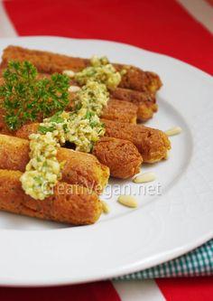Salchichas de tofu al pesto de frutos secos. #receta #vegana