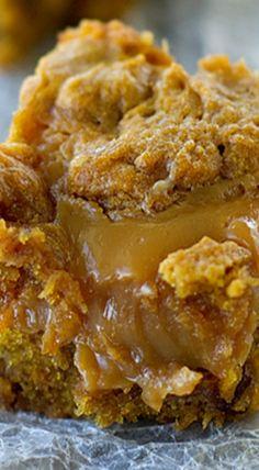 Loaded Caramel Pumpkin Blondies | pumpkin desserts & sweets