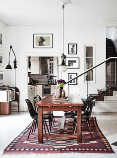 This home, belonging to Swedish photographers Kalle Gustafsson and Sara Bille, is the most idyllic city dwelling - it's a superb mix of vintage charm and modern Scandinavian design House Design, Eclectic Home, Dining Room Decor, Room Inspiration, Interior Design, Dream Decor, Elle Decor, Home, Home Decor