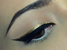 Doble eyeliner negro & oro.