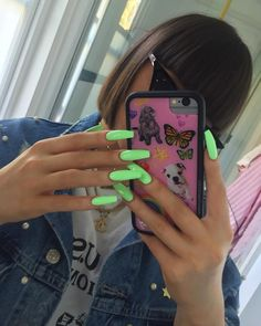 There are three kinds of fake nails which all come from the family of plastics. Acrylic nails are a liquid and powder mix. They are mixed in front of you and then they are brushed onto your nails and shaped. These nails are air dried. Aycrlic Nails, Coffin Nails, Cute Nails, Manicures, Pointy Nails, Neon Acrylic Nails, Neon Nails, Bright Nails Neon, Neon Green Nails