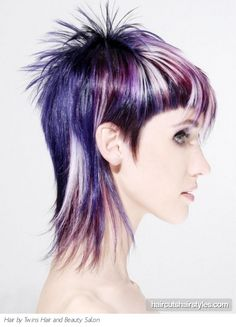 Punk Purple Hair Highlights www. - Punk Purple Hair Highlights www. Violet Hair, Pink Hair, White Hair, Modern Bob Hairstyles, Cool Hairstyles, Short Hair Cuts, Short Hair Styles, Purple Hair Highlights, White Highlights