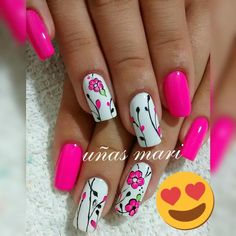 No hay descripción de la foto disponible. Fabulous Nails, Gorgeous Nails, Pretty Nails, Ruby Nails, Toe Nails, Hot Pink Nails, Flower Nail Art, Cool Nail Art, Manicure And Pedicure