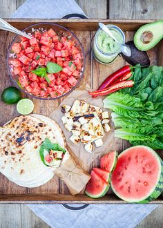 Summer tacos from Trendenser. Veggie Recipes, Vegetarian Recipes, Cooking Recipes, Healthy Recipes, I Love Food, Good Food, Yummy Food, Healthy Snacks, Healthy Eating