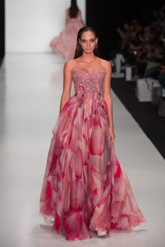 TONY WARD FASHION SHOW IN MOSCOW