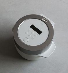 BALMUDA The Gohan(バルミューダ ザ・ゴハン)は、エネルギーの使い方から見直した、まったく新しい電気炊飯器。蒸気のちからでごはんを炊き上げます。