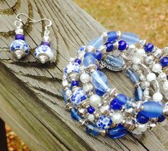 Memory Wire Bracelet and Matching Earring Set - The Blue Willow on Etsy, $35.00