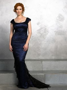 Curves were made for Christina Hendricks, she's so unbelievably gorgeous! Love the dress too.