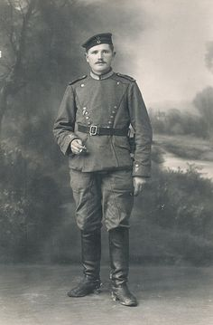 "German; 19th(1st Wurttemberg) Uhlans ""König Karl"" Uhlan, Raised 1683, Home Depot; Ulm. XIII Army Corps. Read here https://www.flickr.com/photos/paranoid_womb/12467217424/in/photostream/ the process used by Paranoid -Womb used to identify the unit depicted in this unmarked photograph"