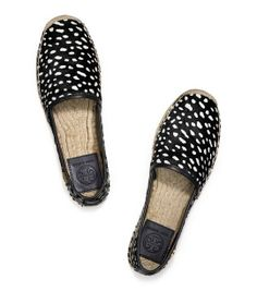 No 4 The Luxe Espadrille - Tory Burch http://www.steelemystyle.com/2014/07/01/store-flat-casual-shoes/