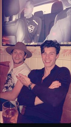 One direction, shawn mendes facts, shawn mendes eyes, ed sheeran, james horan Shawn Mendes Facts, Shawn Mendes Eyes, Mendes 98, Mendes Army, James Horan, Ed Sheeran, Aaliyah, X Factor, Babe